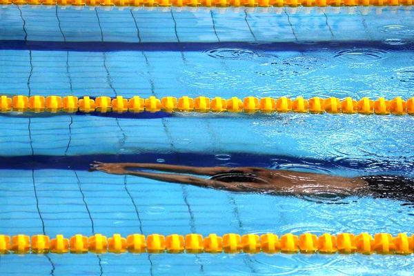 Andrzej Waszkewicz, swimming underwater
