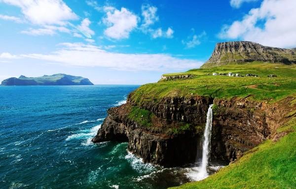 Atlantic Salmon Faroe Islands, The Faroe Islands, www.faroeislands.by, Hotels in the Faroe Islands, Hilton Garden Inn Faroe Islands, Atlantic Salmon Health Benefits, Faroe Islands Fishing, The Faroe Islands Salmon, Atlantic Salmon Health Benefits, Swim.by