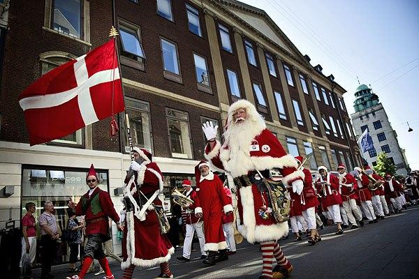 Дания, собрание Санта Клаусов, собрание Санта Клаусов в Дании, Swim.by