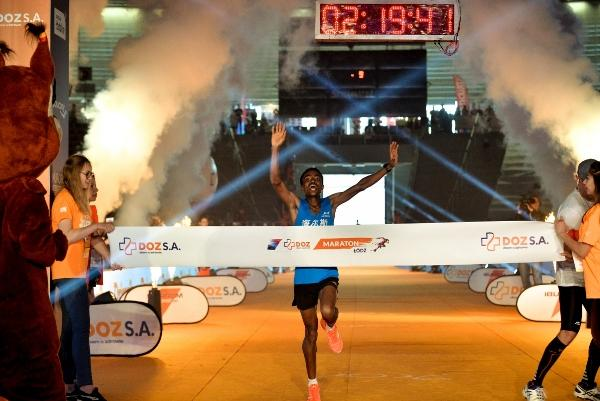 Ethiopian runners, DOZ Marathon Lodz 2018, Maraton Łódź, Poland Running, www.swim.by, Polish marathon, Półmaraton Łódź 2018, Half Marathon Lodz, Swim.by