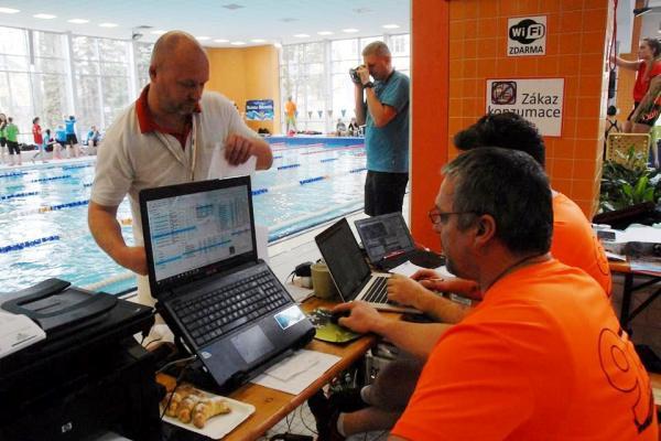 Grand Prix Bruntal 2016, профессиональные соревнования по плаванию
