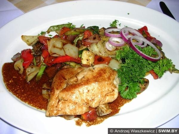 Венгрия, утка, курица-гриль, овощи