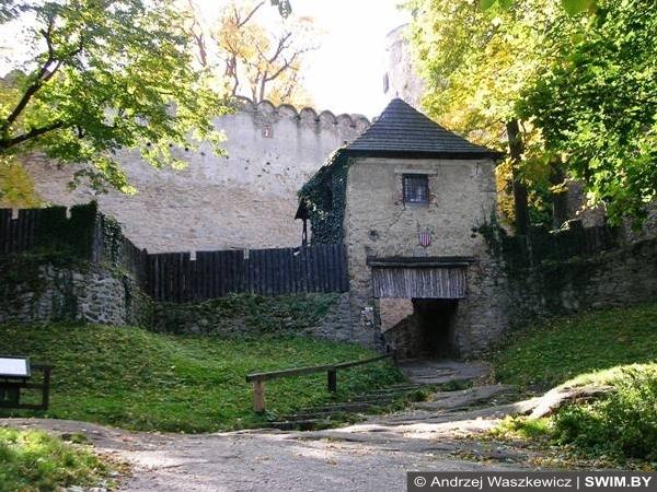 Каменный замок Польша