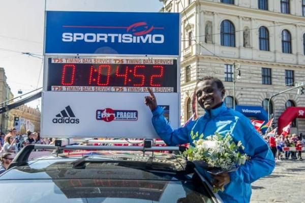 Kenya's marathon runner Joyciline Jepkosgei, world record half marathon, Prague Half Marathon 2017, RunCzech, Czech Running