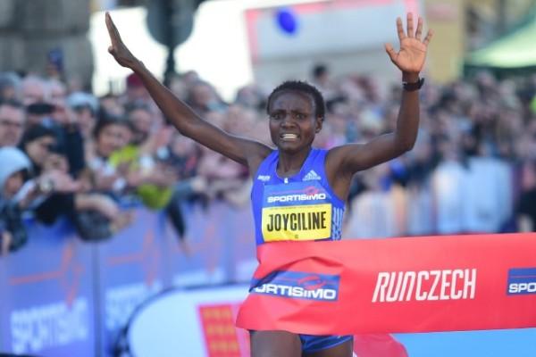 Kenya's marathon runner Joyciline Jepkosgei, world record half marathon, Prague Half Marathon 2017, RunCzech