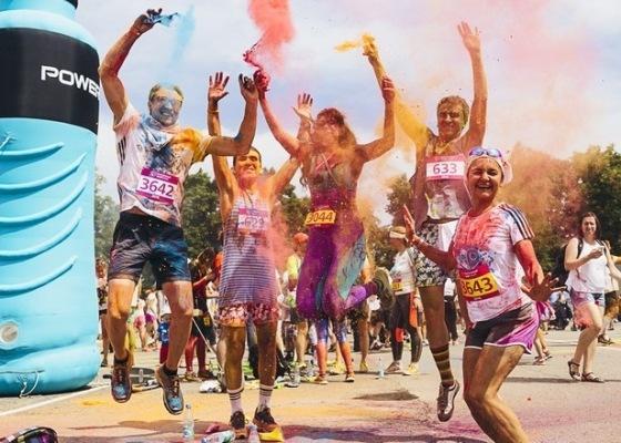 «Красочный забег» в Москве на дистанцию 5 км