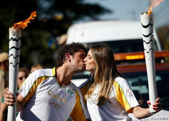 Эстафета олимпийского огня в Бразилии, эстафета олимпийского огня, Swim.by