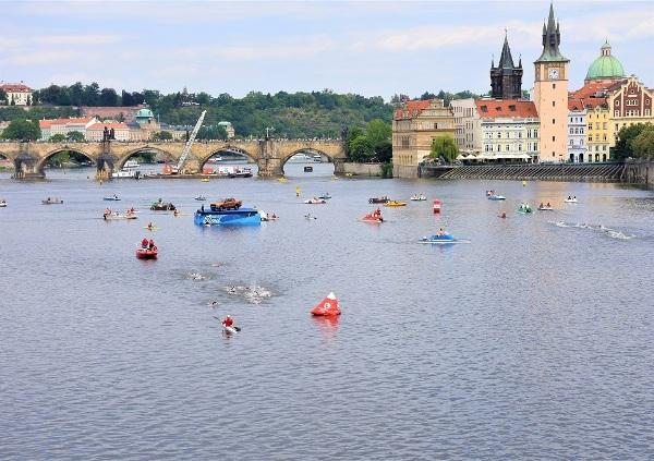 Open Water Swimming CHALLENGE PRAGUE 2019, Open Water Swimming Prague, Czech Triathlon Photo, Challenge Prague Triathlon PHOTOS, www.swim.by, CHALLENGE PRAGUE FOTO, Open Water Swimming PHOTO, CHALLENGE PRAGUE TRIATHLON SWIMMING PHOTOS, Swim.by
