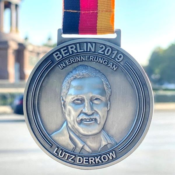 Photo BERLIN MARATHON 2019, BERLIN MARATHON 2019 Photos, Berlin Marathon Medal, www.swim.by, BERLIN MARATHON PHOTO, Swim.by