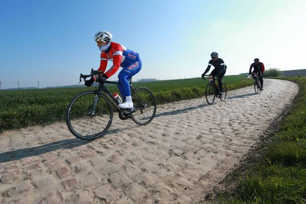 Paris Roubaix Challenge 2019 Photo, Paris Roubaix Challenge 2019, Photos Paris Roubaix, Paris Roubaix Cycling Race, www.swim.by, Paris Roubaix Challenge, Париж Рубе Фото, Paris Roubaix Challenge 2019 Pictures, Swim.by