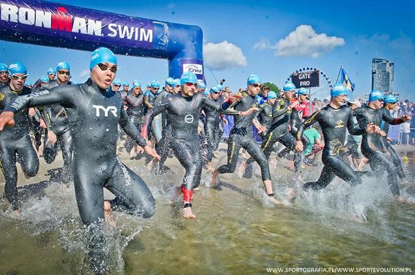 Пловец побеждает легкоатлета в триатлоне, пловец быстрее бегуна в триатлоне, спринтерский триатлон