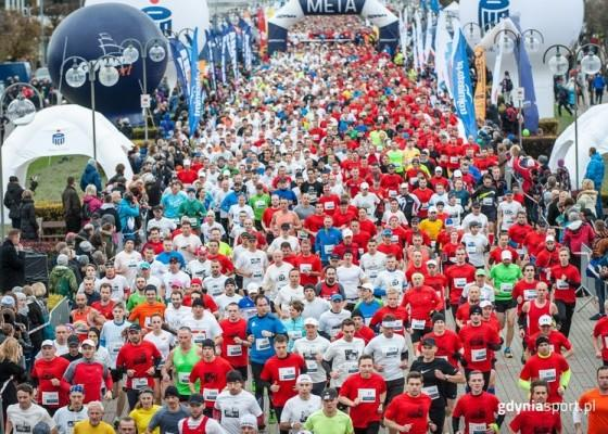 Polish Run of Independence, Gdynia 2017, Poland Running, Polish Running League, Poland Marathons, Swim.by, EMG