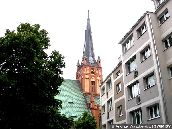 Костёл, Польша