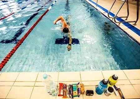 Поляк в течение суток проплыл 96 км 850 м, Swim.by