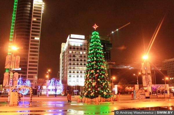 Рождество и Новый год в Минске, Andrzej Waszkewicz рождественская ёлка в Минске