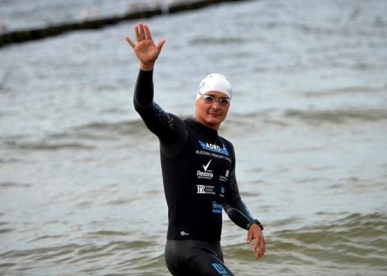 Польский пловец Себастьян Карась переплыл Балтийское море