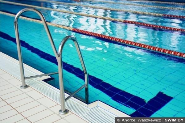 Шапочка для плавания в бассейне