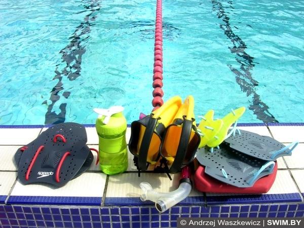 Спортивный инвентарь для плавания, бассейн