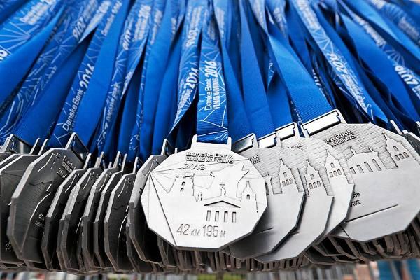 Vilnius Marathon 2016, спортивные медали 2016, марафон в Вильнюсе, Swim.by
