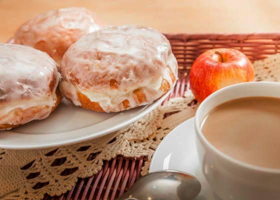 Праздник Tłusty czwartek, пончики в Польше