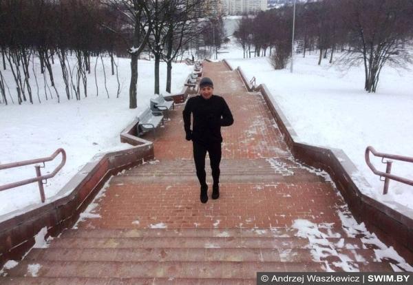 Тренировки на улице в холодное время года, бег зимой, велосипед