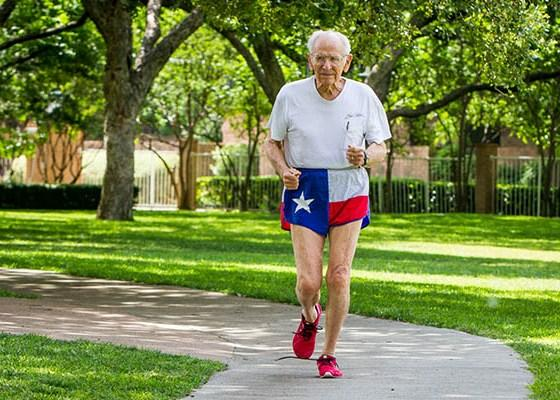 100-year-old Dallas Man breaks Five World Track Records, Masters Athletics, Masters Running, Swim.by
