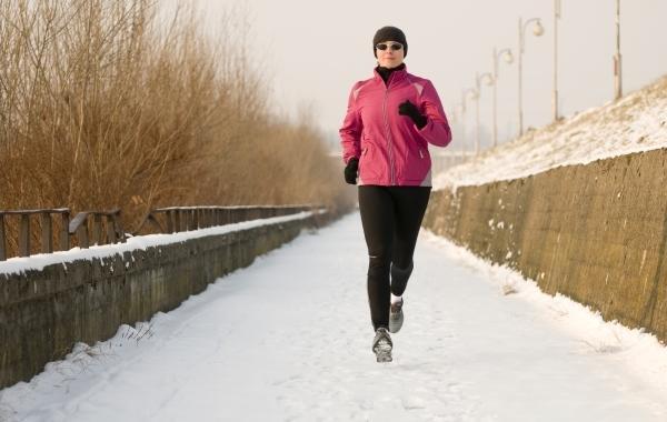 Бег зимой, бег в парке